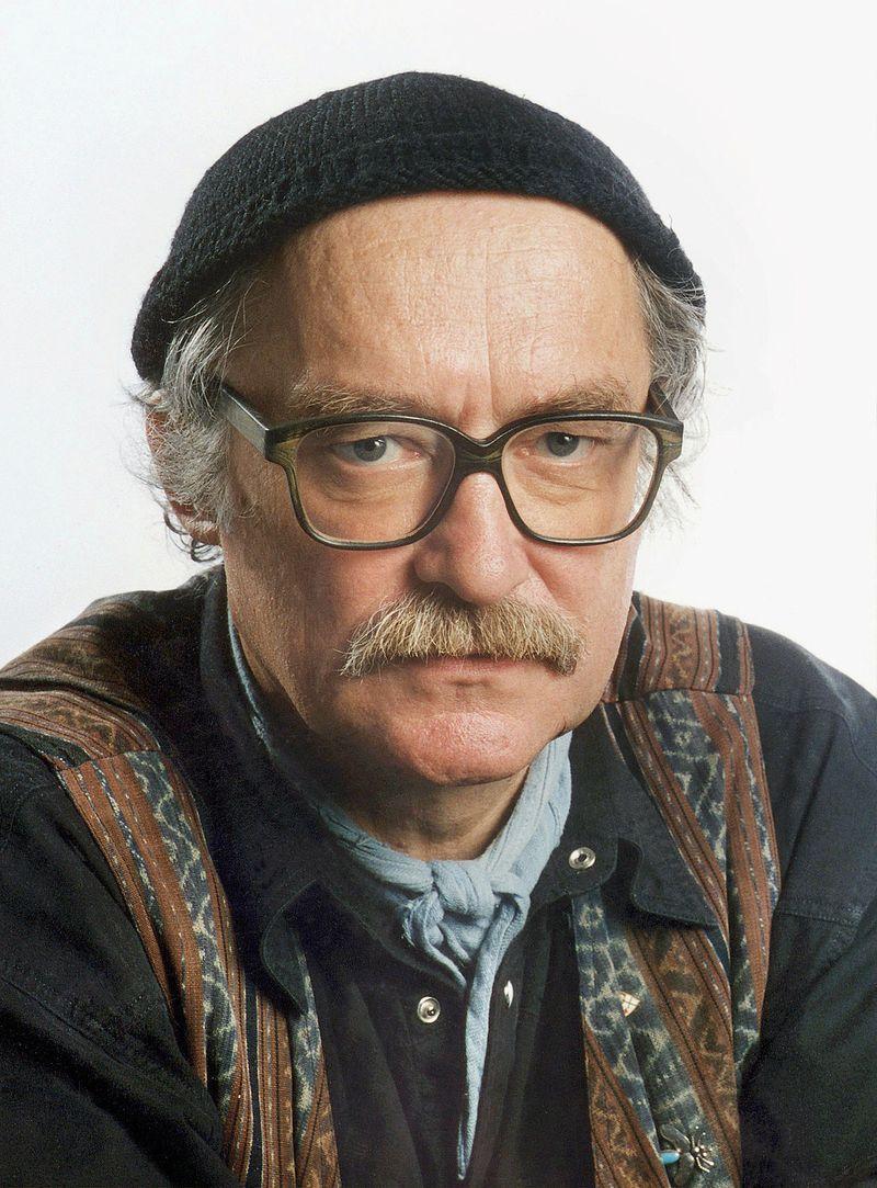 """Hans W. Geißendörfer hat seiner """"Lindenstraße"""" von Anfang an eine Haltung gegeben, und er ist gut damit gefahren. Am 6. April vollendet der legendäre Filmemacher sein 80. Lebensjahr. Mit der """"Lindenstraße"""" schrieb er Fernsehgeschichte."""