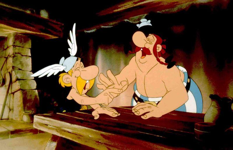 """Asterix (links) und Obelix (Bild aus """"Asterix - Operation Hinkelstein"""") haben gut lachen: Die beiden berühmten Gallier bekommen ihre eigene Netflix-Serie."""