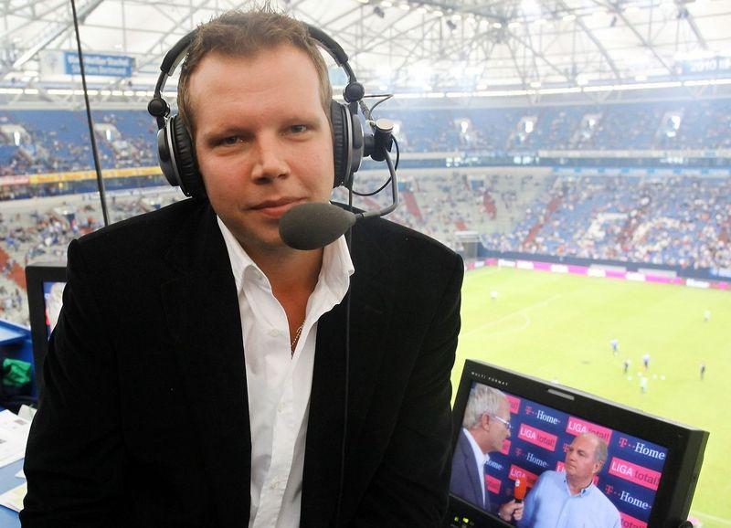 """Bekannt für starke Sprüche: Wolff-Christoph Fuss bleibt Sky als Kommentator erhalten, er wird aber ab Sommer bei SAT.1 für """"ran Bundesliga"""" live von den Partien der höchsten deutschen Spielklasse berichten."""