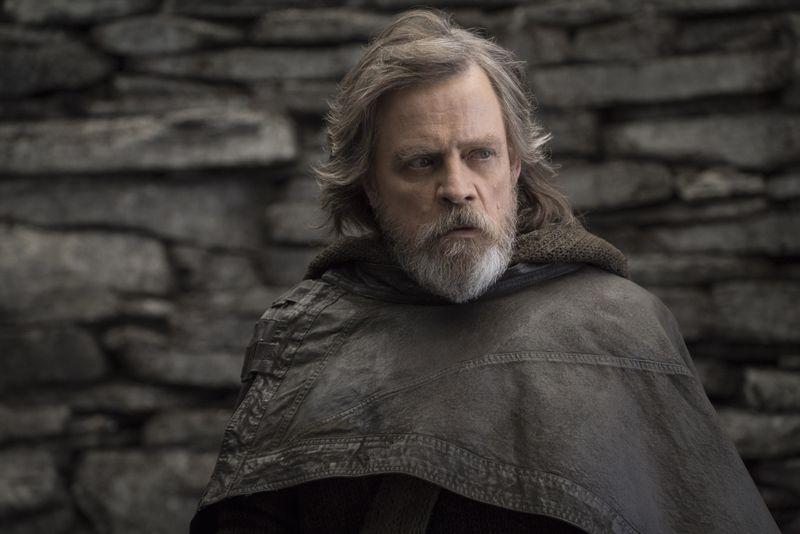 """Einmal Luke Skywalker, immer Luke Skywalker: In der Rolle des Jedi-Ritters spielte sich Mark Hamill, der am 25. September seinen 70. Geburtstag feiert, in die Herzen (nicht nur) von """"Star Wars""""-Fans. Hamill ist nicht der einzige Schauspieler, den man vor allem mit einer einzigen, ikonischen Rolle verbindet."""