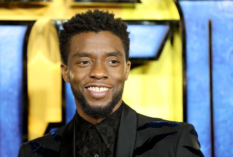 """Chadwick Boseman wurde posthum für seine Rolle im Netflix-Drama """"Ma Rainey's Black Bottom"""" ausgezeichnet. Der Schauspieler erlag im August 2020 im Alter von 43 Jahren einem Krebsleiden."""