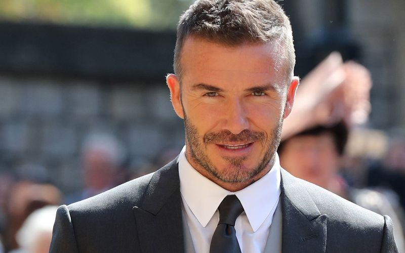 """David Beckham soll bald für Disney+ vor der Kamera stehen. In der Serie """"Save Our Squad"""" wird der Engländern zu seinen Wurzeln zurückkehren: dem Fußball."""