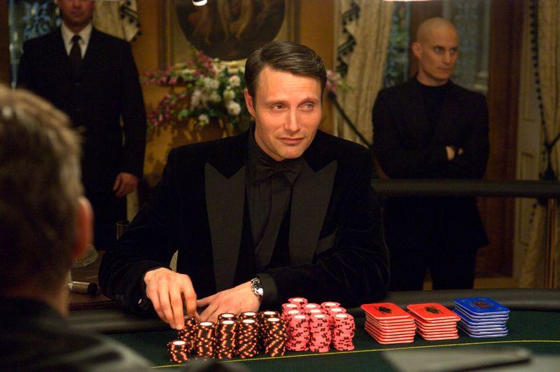 Le Chiffre (Mads Mikkelsen) gehört zu den großartigsten Schurken, mit denen Bond es je zu tun hatte.