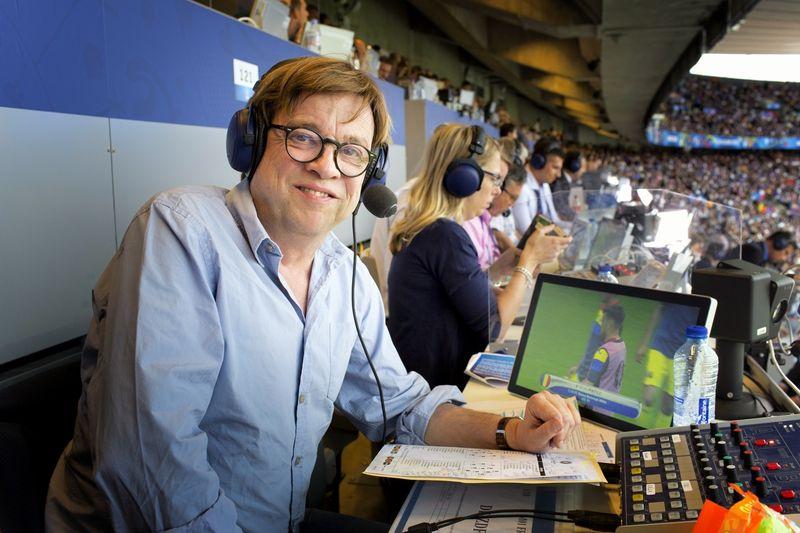 """Trotz der Corona-Pandemie wird die Fußball-EM in zwölf Ländern ausgetragen. Béla Réthy kann das nur bedingt nachvollziehen: """"Ich verstehe nicht, warum man das komplett so durchpeitschen muss."""""""