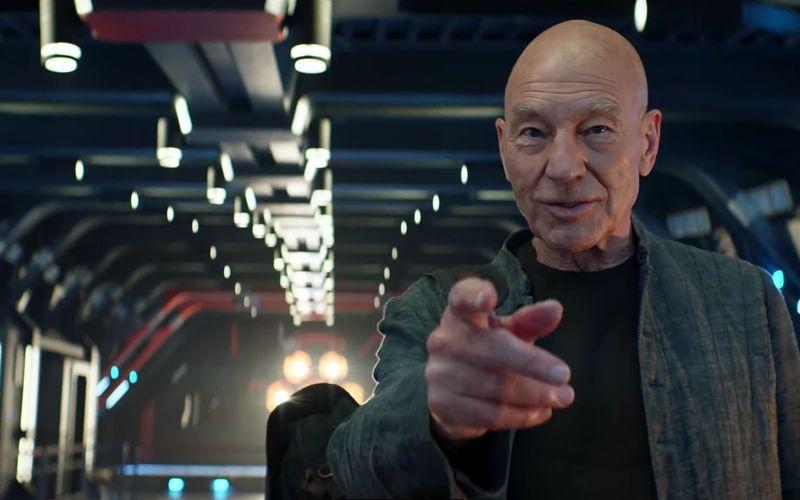 """Energie! Jean-Luc Picard (Patrick Stewart) startet 2022 zu einem neuen Abenteuer ins """"Star Trek""""-Serien-All. Dabei kommt es zum Wiedersehen mit alten Bekannten - geliebten und unliebsamen."""