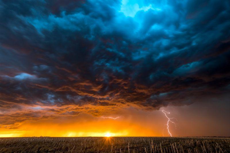 Wetterrekorde wie extreme Hitze- oder Kältewellen sind bei Weitem keine Seltenheit: Je weiter der Klimawandel fortschreitet, desto wahrscheinlicher werden sie in Zukunft wohl auch werden. An welchen Orten der Welt es heute schon besonders heiß ist oder wo die wohl größte Schneeflocke aller Zeiten vom Himmel fiel - das und mehr verrät die Galerie.