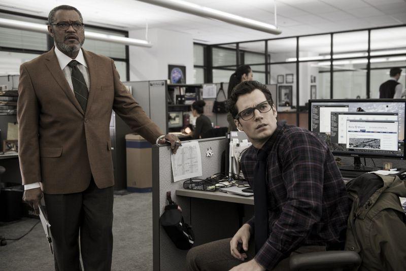Inkognito: Als Journalist Clark Kent (Henry Cavill, rechts) arbeitet Superman für Perry White (Laurence Fishburne).