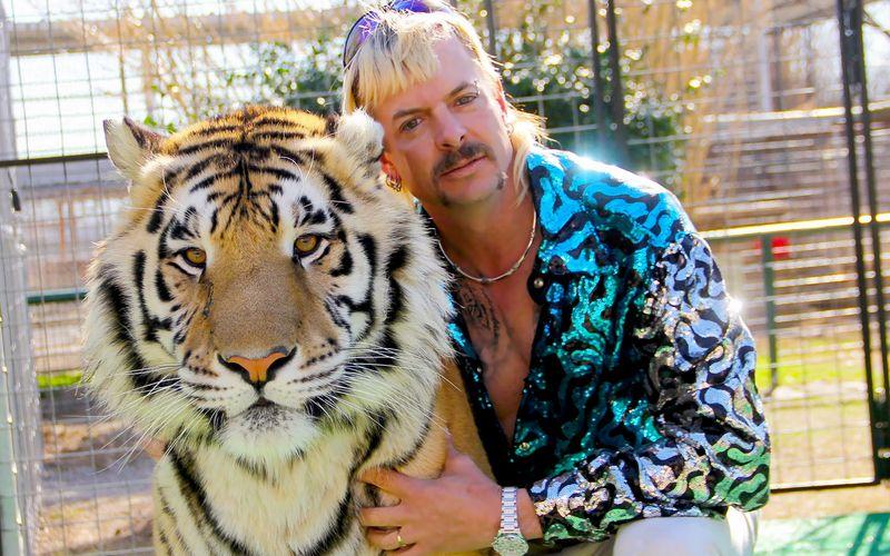 Schriller Typ, gefährliche Katzenleidenschaft: Joe Exotic kehrt auf Netflix zurück.