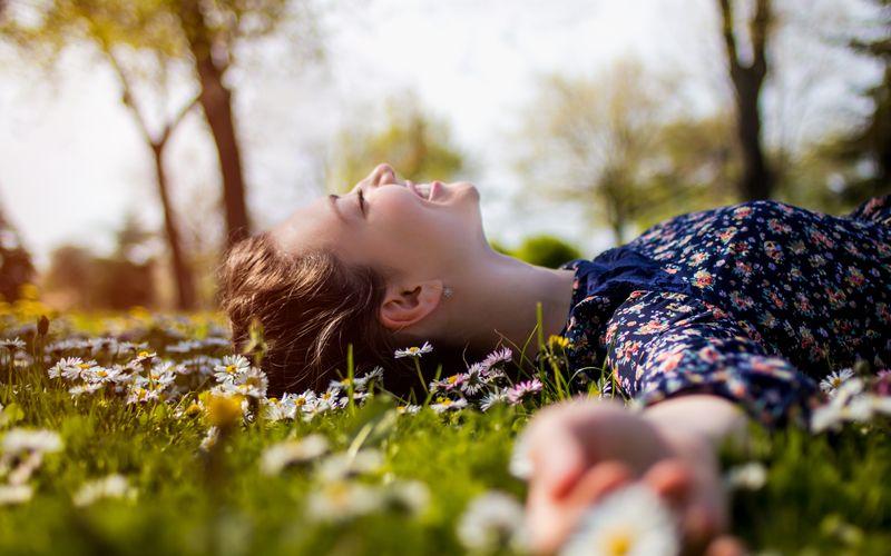 Ausreichend Wasser, Bewegung an der frischen Luft und erholsamer Schlaf sind von enormer Wichtigkeit für unser Abwehrsystem. Eine ausgewogene Ernährung ist Teil des Gesamtpakets, das ein starkes Immunsystem ausmacht.