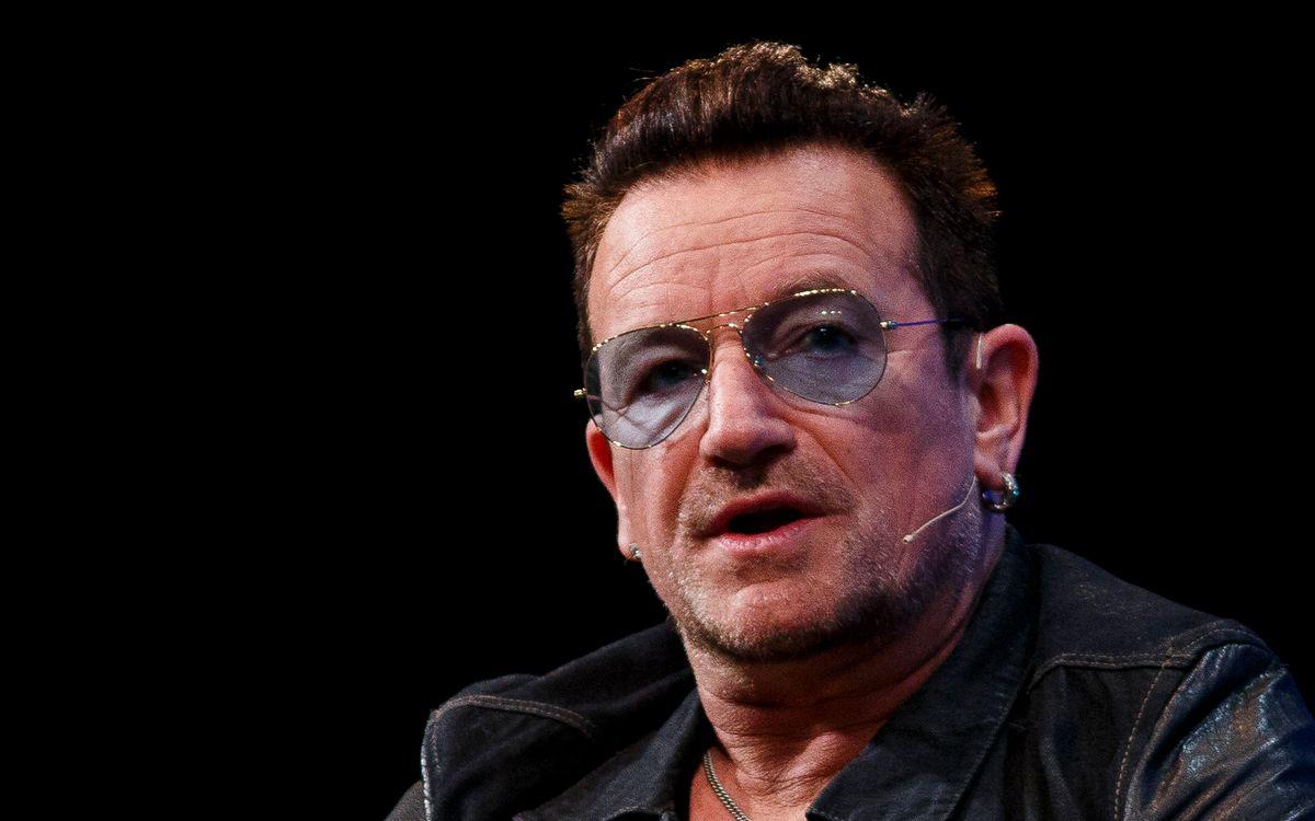 Am 10. Mai feierte U2-Sänger Bono seinen 60. Geburtstag - nicht unwahrscheinlich, dass ihm zu diesem Anlass auch der eine oder andere Politiker einen Blumenstrauß geschickt hat. Schließlich ist Bono weit über die Musik hinaus bestens vernetzt und seit Jahren auch auf der politischen Bühne aktiv. Tatsächlich gibt es viele Stars, die ihren Einfluss nutzen wollen, um die Welt zu verändern - manche erreichen sogar die allerhöchsten Regierungsämter ...