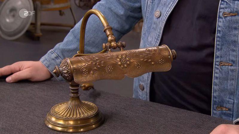 """Diese schmucke Klavierlampe war das letzte Objekt, welches Ludwig Hofmaier in seiner """"Bares für Rares""""-Zeit erworben hat."""