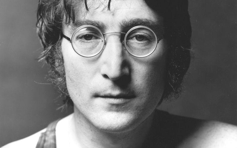 """Seine Musik begeisterte und begeistert bis heute Millionen, doch daneben war John Lennon vor allem auch ein Mann mit Haltung - und er scheute sich nicht, diese kundzutun. Die Galerie erinnert an die größten und inspirierendsten Zitate des Beatles-Helden, der am 11. Oktober vor genau 50 Jahren seine visionäre Friedenshymne """"Imagine"""" veröffentlichte."""