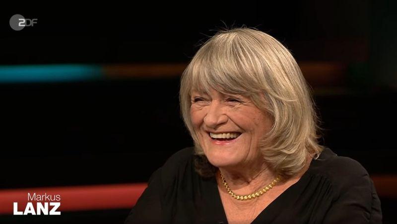 Die feministische Journalistin Alice Schwarzer setzte sich für eine Frauenquote in der Politik ein. Gerade bei der CDU gebe es in Sachen Gleichberechtigung Nachholbedarf - insbesondere, wenn sich Kanzlerin Angela Merkel zurückzieht.