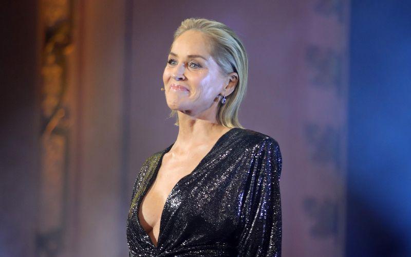 """Nackte Haut zeigen, um an eine Filmrolle zu kommen? Für Sharon Stone hat sich dieses Kalkül 1990 ausgezahlt: Durch """"Basic Instinct"""" wurde sie zum internationalen Schauspiel-Star."""