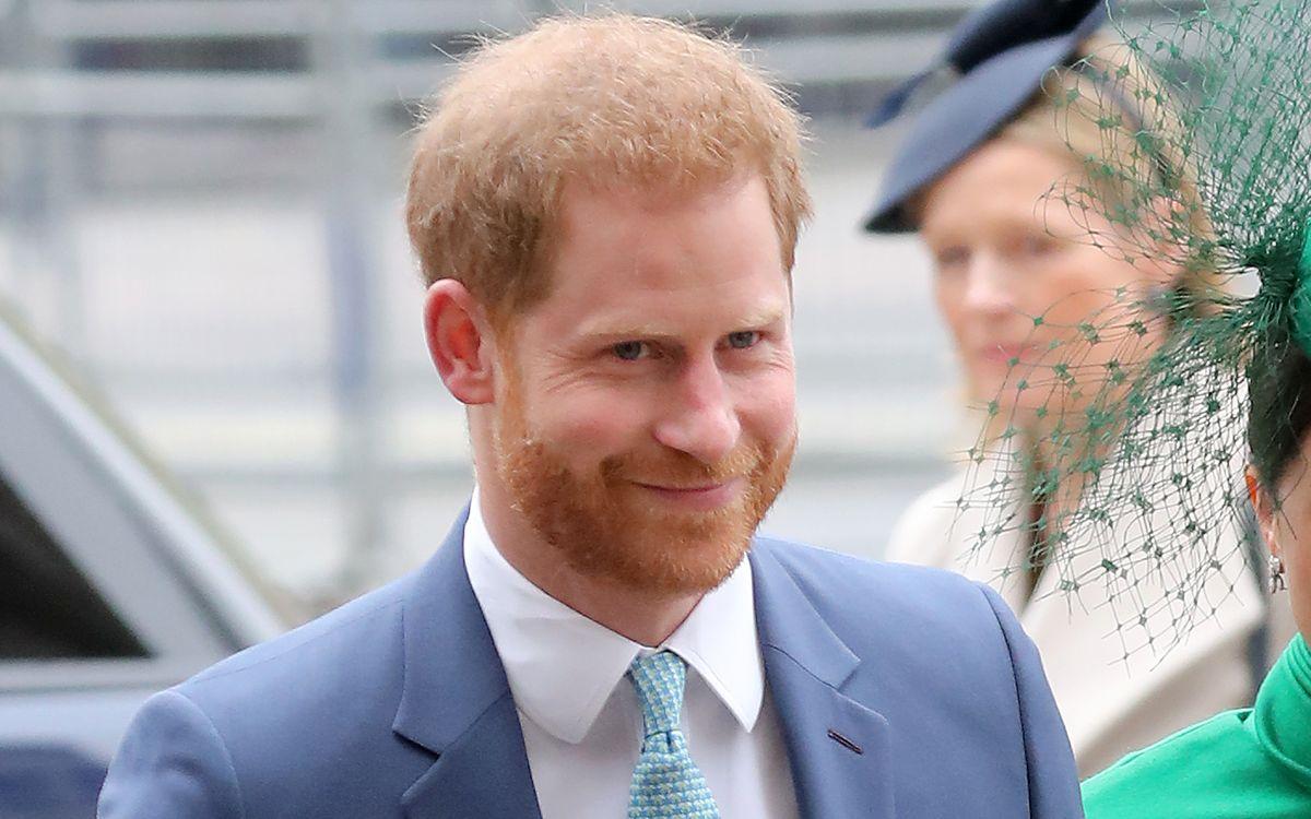 """Als vom """"People""""-Magazin frisch gekürter attraktivster Royal der Welt, hat Prinz Harry gut lachen."""
