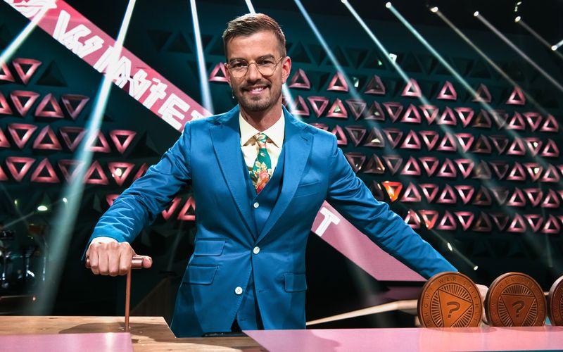 """""""Welcher Moderator ist schon so irre, sich seine eigene Show direkt wieder wegnehmen zu lassen?"""", zweifelte auch Joko Winterscheidt an der Idee seiner neuen Sendung."""