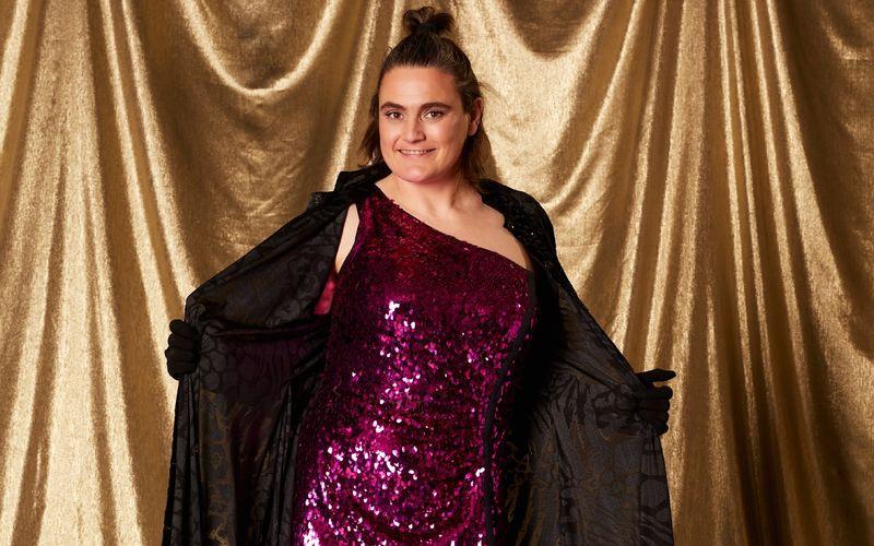 "In der VOX-Sendung ""Showtime of my Life - Stars gegen Krebs"" lässt Nadine Angerer die Hüllen fallen."