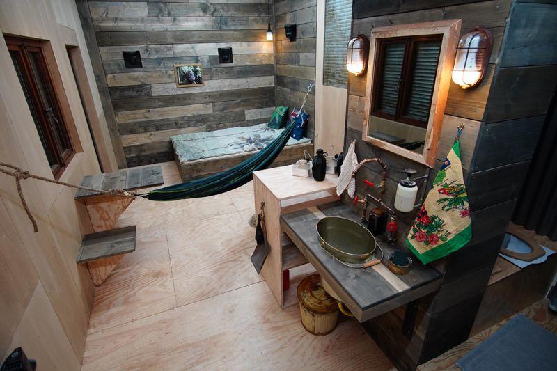 Ganz schön spartanisch: Die Tiny Houses lassen jeglichen Luxus vermissen.