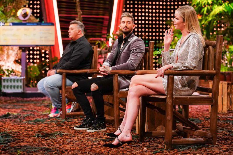 """Frisch geduscht präsentierten sich die """"Dchungelshow""""-Teilnehmer Frank Fussbroich (links), Mike Heiter und Zoe Saip. Viele Zuschauer reagierten ungläubig."""