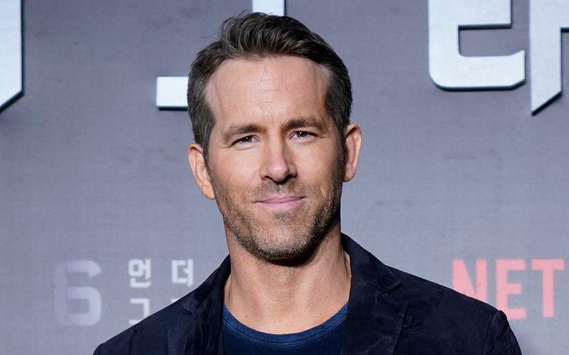 Ryan Reynolds ist ein wahrer Philanthrop: Der Schauspieler sendete eine Grußbotschaft an einen kranken Jungen und sprach ihm Mut zu.