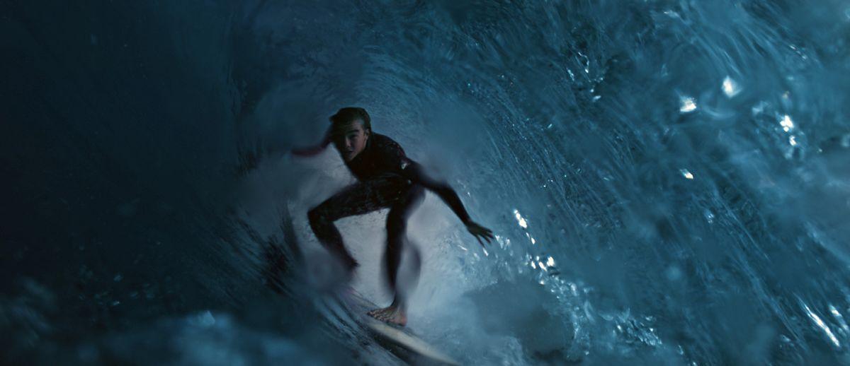 Simon (Gabin Verdet) geniest die Wellen. Dass es das letzte Mal sein wird, weiß er nicht.
