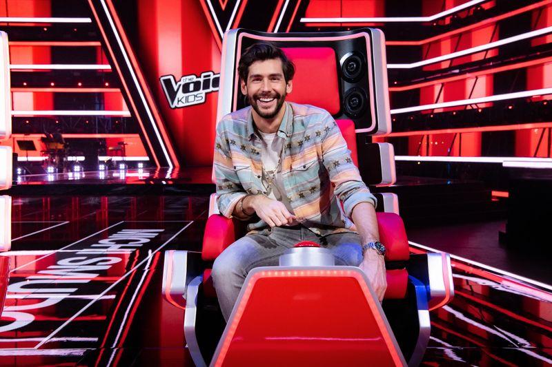 """Alvaro Soler darf in der neunten Staffel von """"The Voice Kids"""" zum ersten Mal buzzern."""