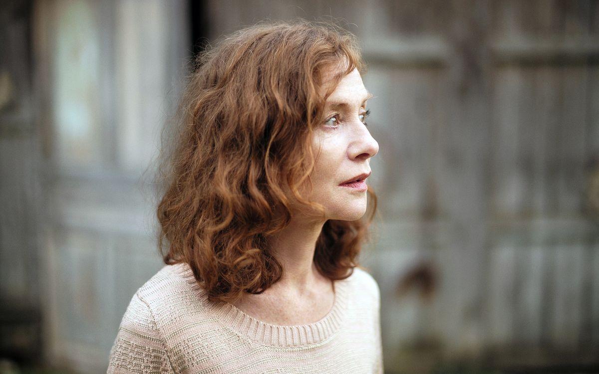 """""""Alles was kommt"""" ist das Porträt einer Philosophielehrerin (Isabelle Huppert), die an der Schwelle zum Alter gezwungen wird, ihr Leben noch einmal neu zu ordnen."""