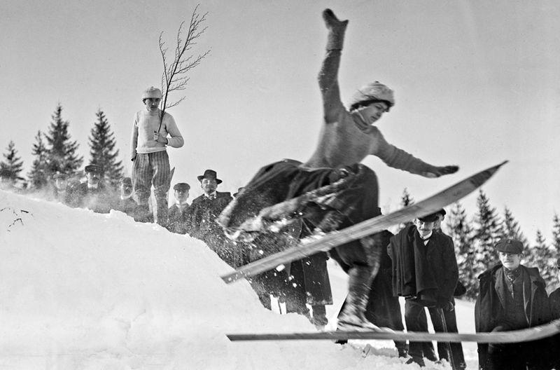 Viele Skifahrer verbanden schon früh das Sportvergnügen mit dem alten Traum vom Fliegen.