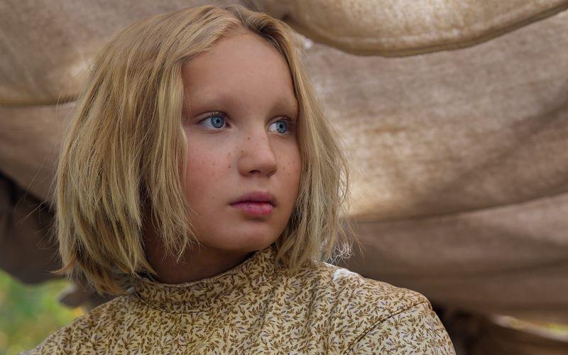 """Die deutsche Schauspielerin Helena Zengel ging bei den Golden Globes 2021 leer aus. Die Zwölfjährige war für ihre Rolle im Western """"Neues aus der Welt"""" an der Seite von Tom Hanks nominiert worden."""