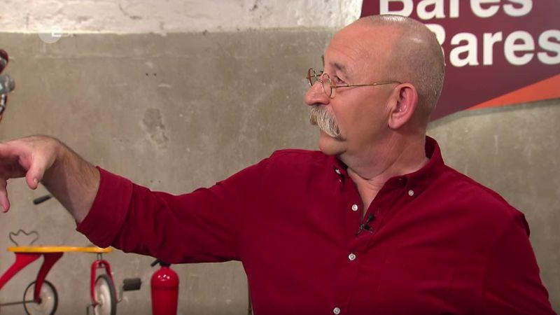 """""""Sind das Pfefferminz-Bonbons, die der in der Hand hat?"""", fragte Lichter den Experten. """"Das erinnert mich an so eine Werbefigur. Die haben so Pfefferminz-Bonbons in der Hand"""", gestikulierte er."""