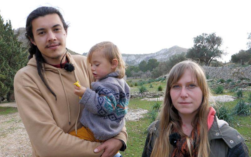 Daniel und Nadine haben die ehemalige Finca von Boris Becker auf Mallorca besetzt. Miete zahlen sie nicht. Und Sohn Damian bekommt wohl bald ein Geschwisterchen.