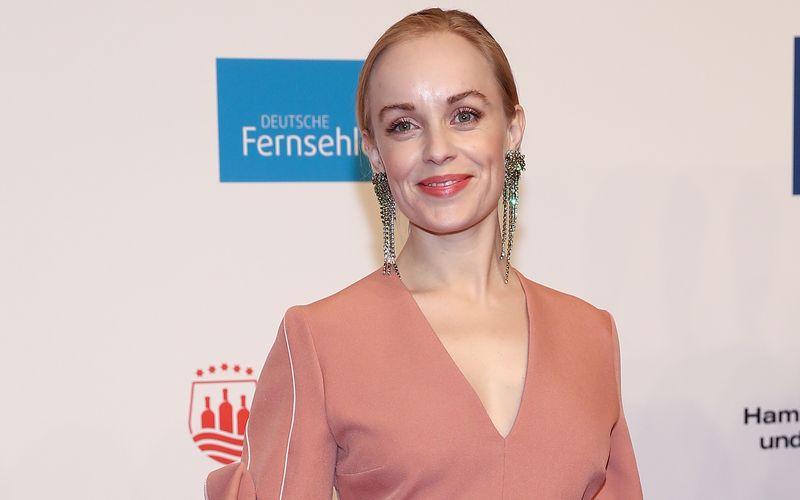 "In freudiger Erwartung: Ex-""Tatort""-Star Friederike Kempter ist erneut schwanger."