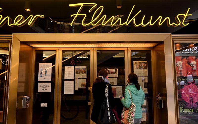 Wann dürfen Filmtheater wieder ihre Türen öffnen? Nach der jüngsten Ministerpräsidentenkonferenz steht diese Entscheidung noch immer nicht endgültig fest.
