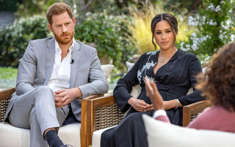 Zunächst ohne, dann mit Ehemann Prinz Harry spricht Herzogin Meghan (Mitte) mit Oprah Winfrey über brisante Themen. RTL und VOX zeigen das CBS-Interview am kommenden Montag auch in Deutschland.