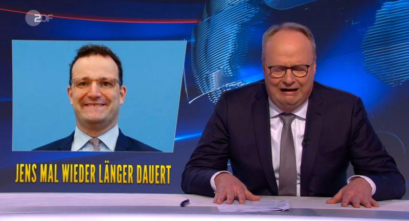 """Zum Weinen: Für """"Jens kommt's janz dicke"""". Der Gesundheitsminister steht im Kreuzfeuer."""