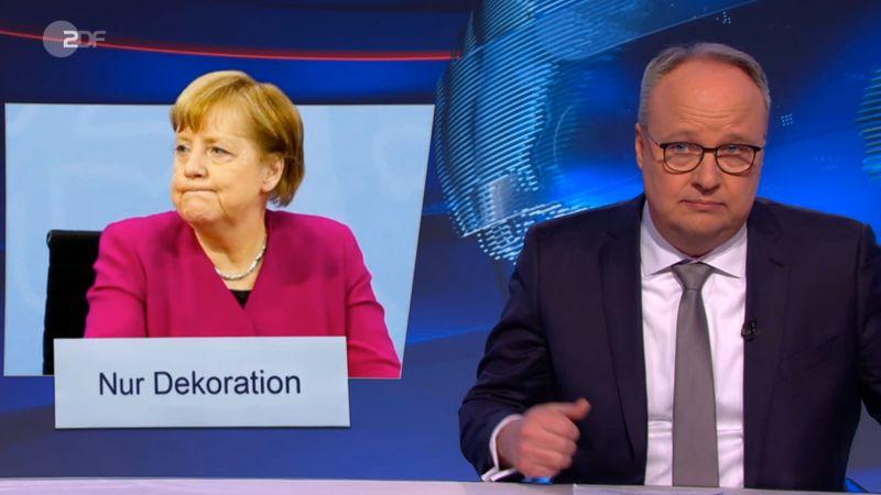 """""""Warum sitzt sie da noch?"""" Oliver Welke warf in der """"heute-show"""" die Frage auf: Ist Kanzlerin Merkel nur noch Deko?"""