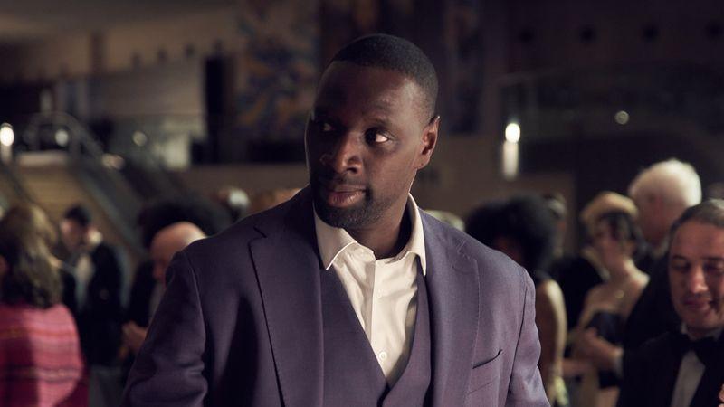 Ein Gauner im schicken Zwirn: Assane Diop (Omar Sy) ist ein Meister der Täuschung.