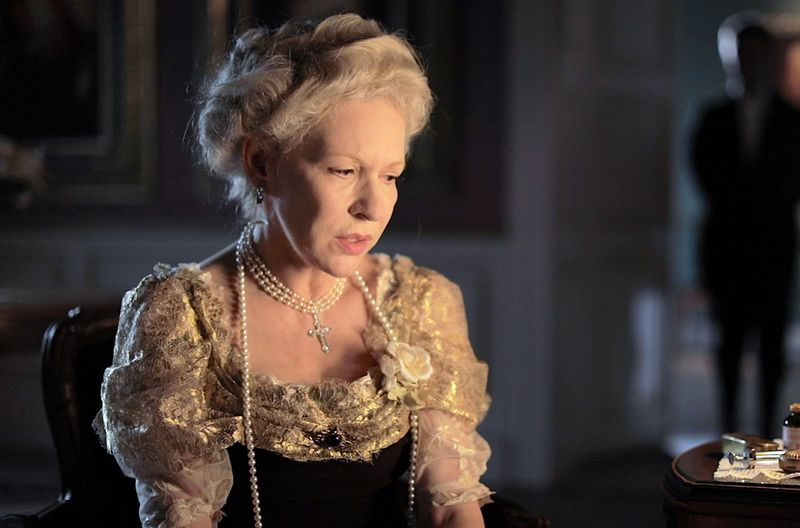 In der Rolle der mächtigen Kaiserin Auguste Viktoria zeigt Schauspielerin Sunnyi Melles die Höhen und Tiefen im Leben einer Frau, die 30 Jahre lang großen Einfluss auf die Entscheidungen ihres Mannes nahm.