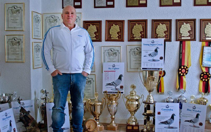 Mehrere Auszeichnungen hat der Taubensport Andreas Drapa bereits eingebracht.
