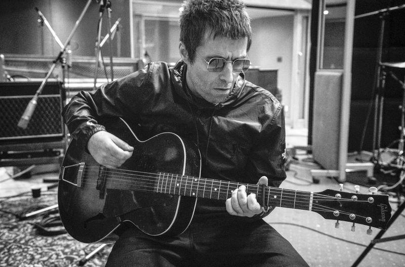 """Die Rockumentary """"Liam Gallagher: As It Was"""" begleitet den ehemaligen Oasis-Sänger Liam Gallagher auf dem Weg zur Solokarriere."""