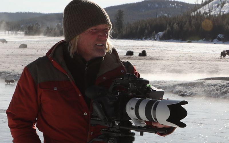 Andreas Kieling beobachtet im amerikanischen Yellowstone National Park, wie sich die Rückansiedlung der Wölfe auf das Öko-System auswirkt.