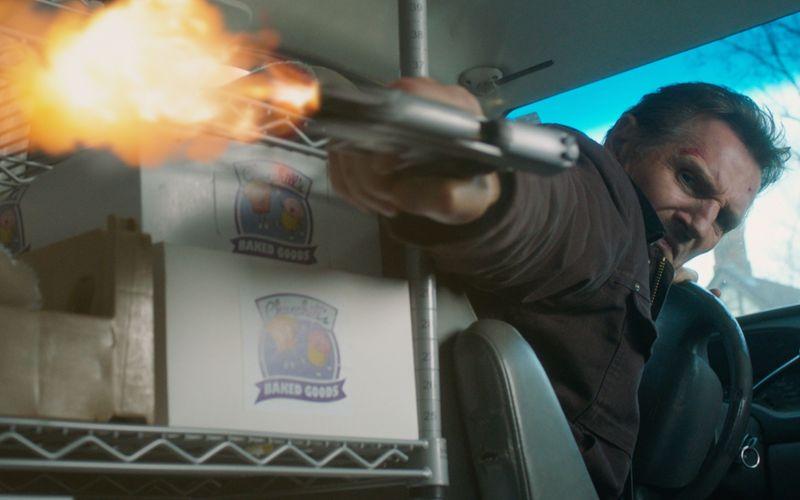 In der Rolle eines von der Polizei gelinkten Bankräubers greift Liam Neeson mal wieder zur Waffe.