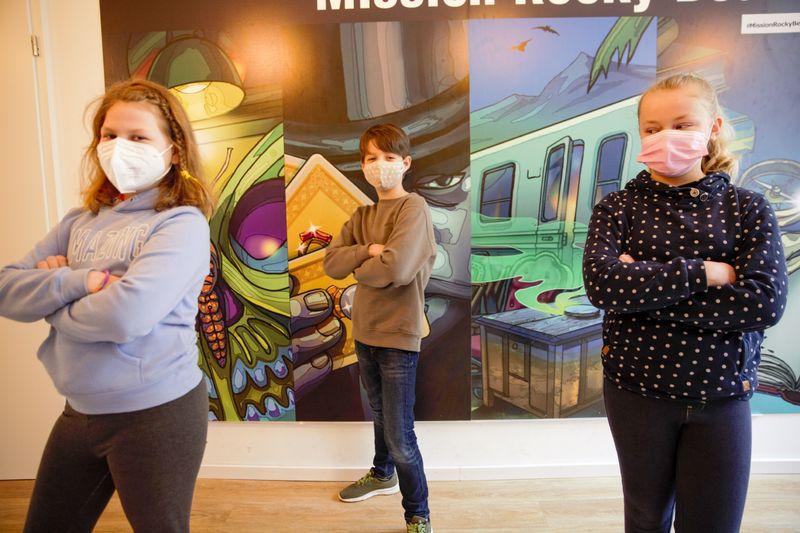 Wie haben Linda (links), Matts und Paulina die Corona-Krise bislang erlebt?