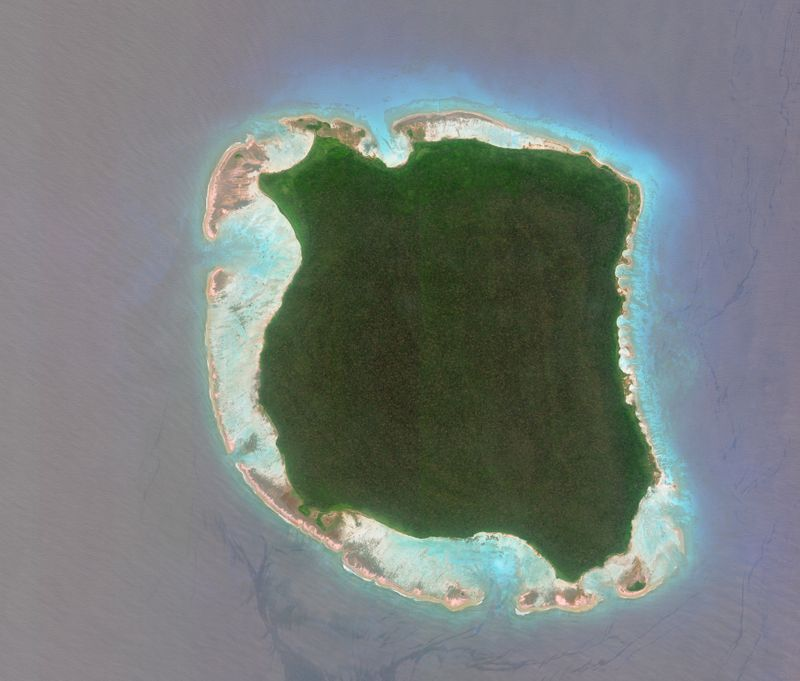 North Sentinel Island ist nur knapp 60 Quadratkilometer groß, aber dennoch richtig gefährlich - sogar lebensgefährlich. Denn die rund 50 Sentinelesen, die auf der Insel leben, verjagen oder töten Menschen, die es wagen, ihr Reich zu betreten. Dies geschah zuletzt 2018, als der US-Amerikaner und Missionar John Allen Chau nach Warnungen mit Pfeilen getötet wurde.