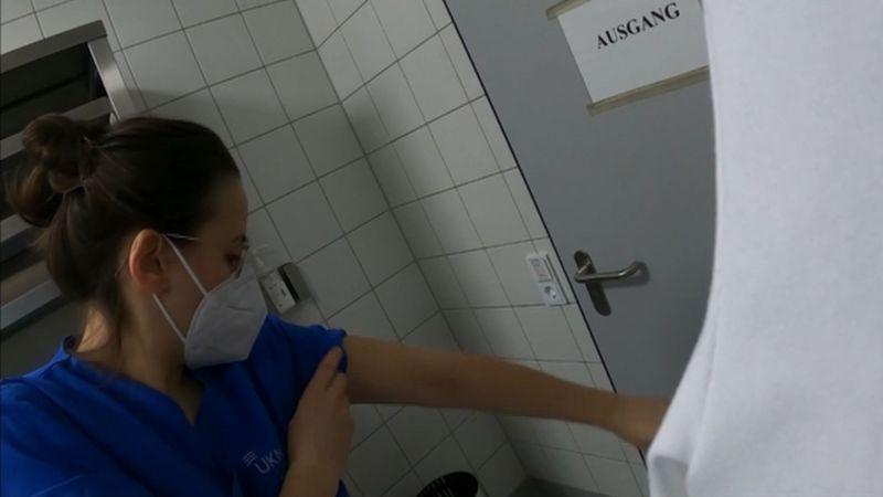 Die Pflegekraft Meike Ista dokumentierte eine komplette Frühschicht mit der Kamera.