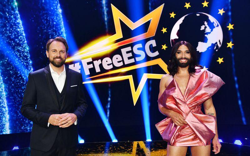"""Steven Gätjen (links) und Conchita Wurst werden  gemeinsam auch den diesjährigen """"Free European Song Contest"""" moderieren."""