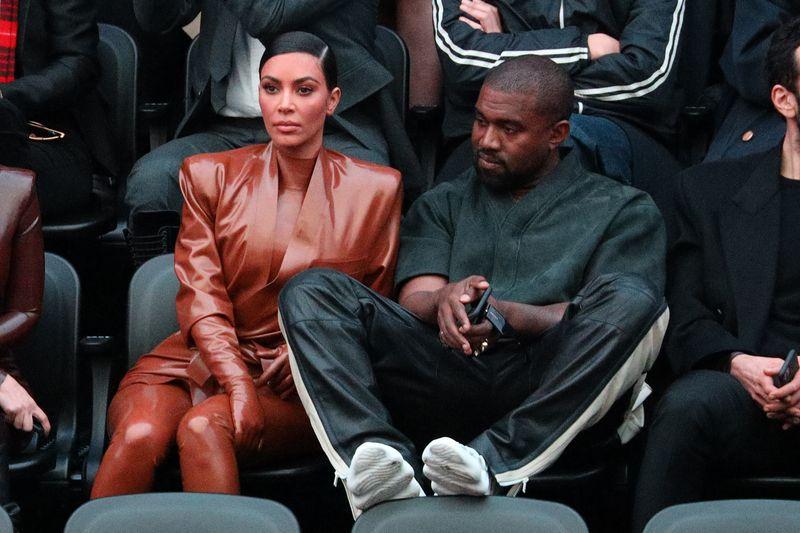 """Erst im Februar 2021 hatte Kim Kardashian die Scheidung von Skandal-Rapper Kanye West eingereicht. Auch der 43-Jährige befindet sich auf der """"Forbes""""-Milliardärsliste."""