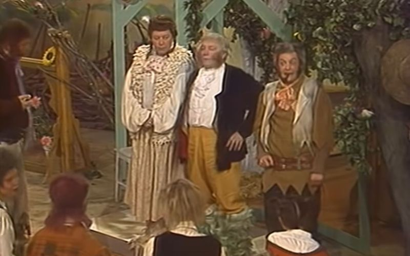 """Skurril, aber oho: Die nach 30 Jahren wieder aufgetauchte sowjetische """"Herr der Ringe""""-Adaption """"Khraniteli"""" begeistert die Fans mit rudimentären Kostümen und Kulissen."""