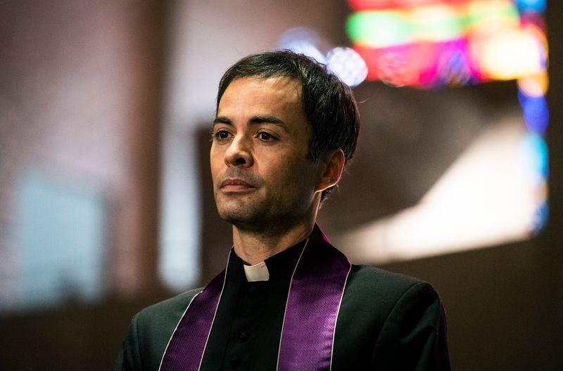 Nikolai Kinski spielte den Pfarrer Tobias Flügge.