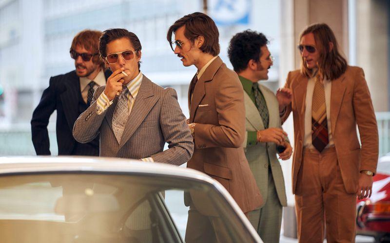 """Die """"Goldjungs"""" um Mick Sommer (Tim Oliver Schultz, vorne) sind jung, erfolgreich und der Garant für das ganz große Geschäft."""